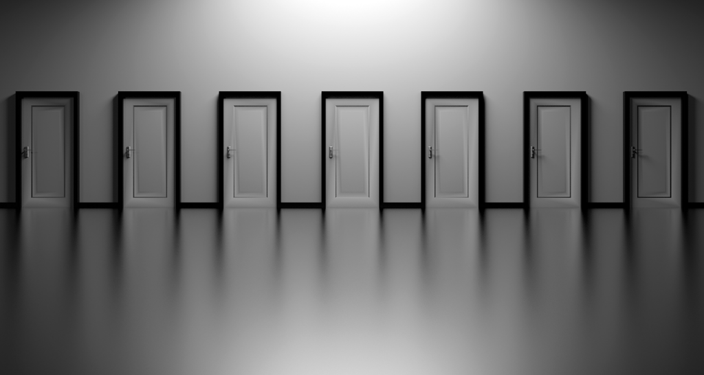 molte porte fra le quali scegliere